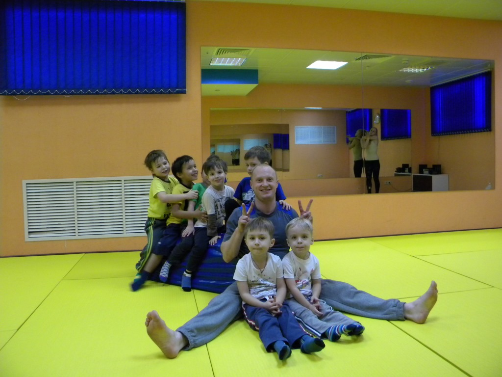 Фитнес клубы с детьми москва парапланы клуб москва